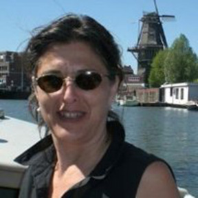 Laurelle Favreau
